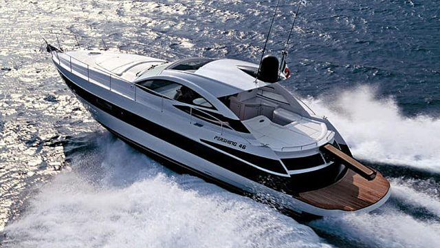 Short stay yacht